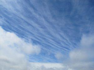 Seelenverhaftungen geloest - Seelen gehen ins Licht - Wolkenloch am Himmel